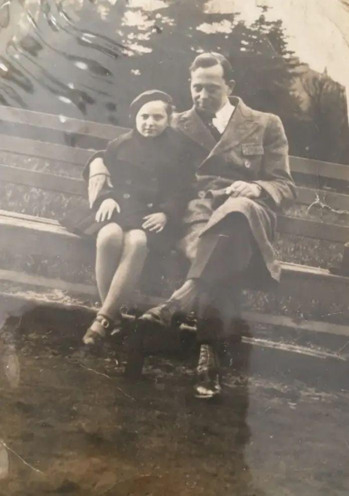 Eva con su padre