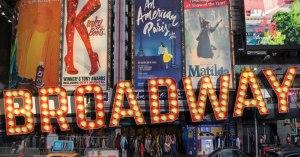 Irving Gatell nos detalla cómo las comunidades judías comenzaron a hacer teatro en Broadway y los complejos procesos históricos, sociales que confluyeron