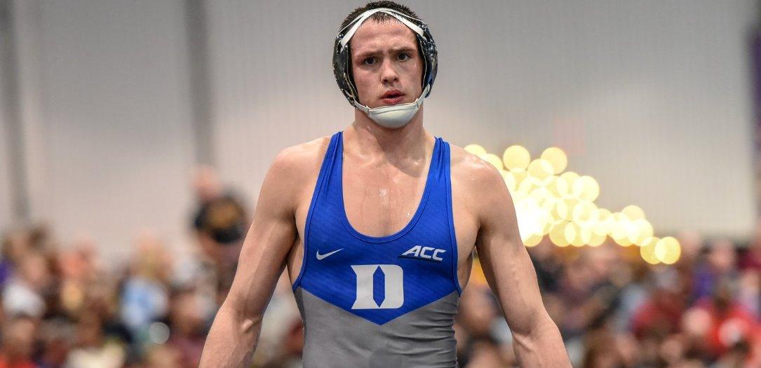 El luchador israelí Mitch Finesilver mostró sus habilidades de lucha al obtener medalla de bronce en los campeonatos europeos en Varsovia, Polonia