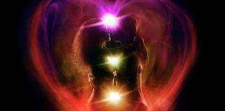 Al practicar el sexo con técnicas tántricas, la pareja se sumerge en una dimensión atemporal; La unión sexual alcanza un nivel mucho más alto de placer