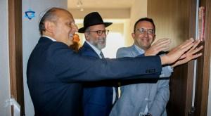 Alicia e Isaac Assa donaron un departamento en el conjunto residencial Hábitat Bosque Real, a la organización Yad Lakalá, de Maguén David