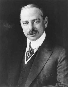 Marcus Loew fue un magnate estadounidense de los negocios y un pionero de la industria cinematográfica que formó Loew's Theatres y la MGM