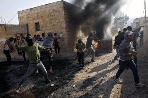 Al menos 9 palestinos de Judea y Samaria murieron a manos de fuego real israelí durante los violentos enfrentamientos con las FDI