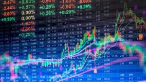 Datos financieros en una pantalla