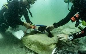 Arqueólogos israelíes descubrieron al norte de Israel una antigua ancla de barco hecha de piedra que se utilizó durante unos 2 mil años