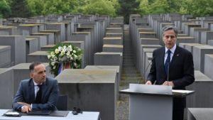 EE. UU. y Alemania lanzaron una nueva iniciativa para detener un aumento alarmante del antisemitismo y la negación del Holocausto en todo el mundo