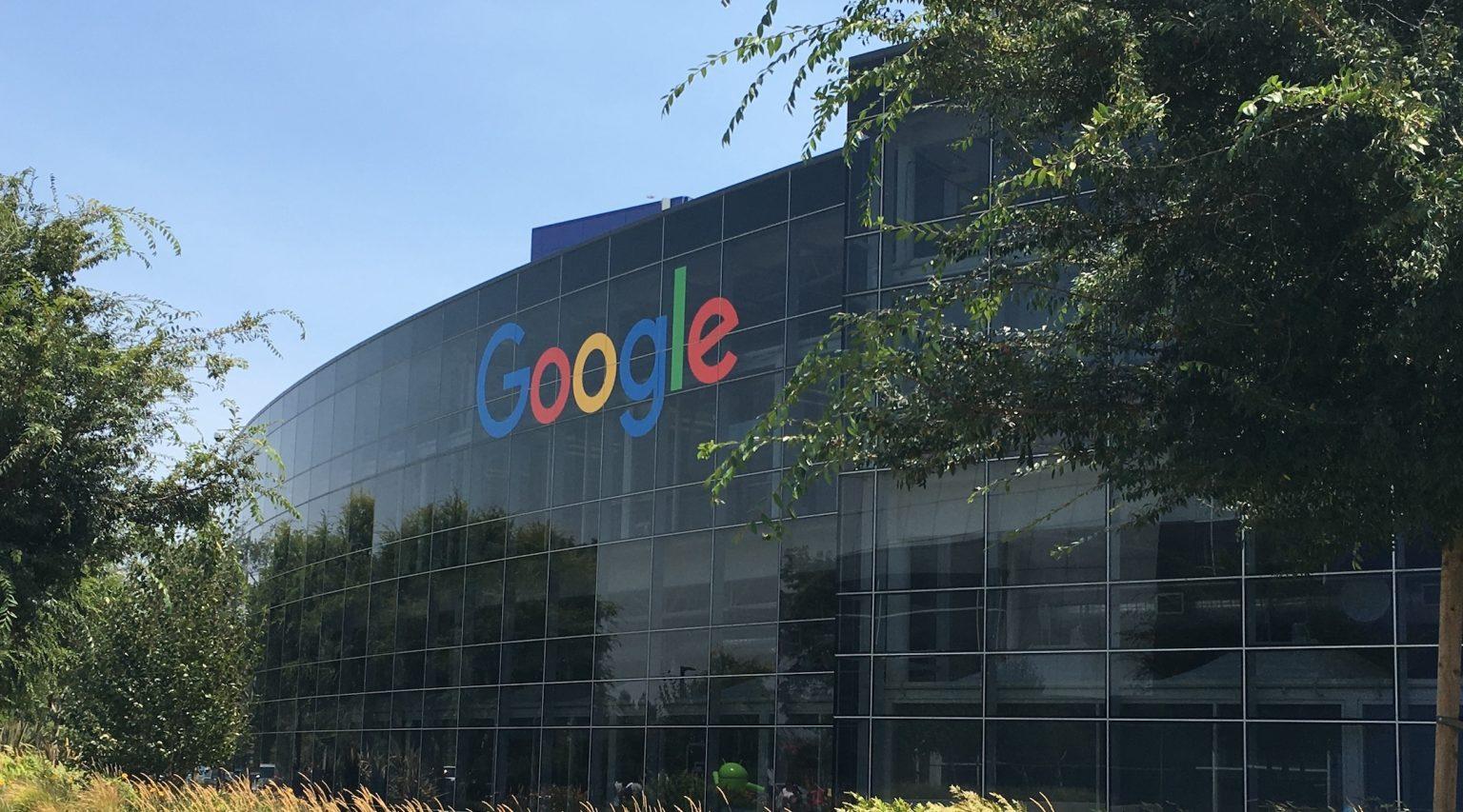 """Google reasignó a su jefe de estrategia luego de una publicación de 2007 en la que escribió que los judíos tienen un """"apetito insaciable por la guerra"""""""