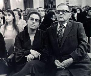 Shostakovich se casó cuatro veces, dos de ellas con la misma mujer. Su último matrimonio fue con Irina Antonovna, Él tenía 57 años y ella 27.
