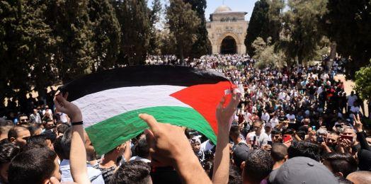 Enfrentamiento entre palestinos y policías en el Monte del Templo
