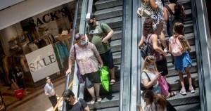 Israelíes en un centro comercial