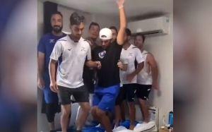 Equipo olímpico de béisbol de Israel se disculpó luego de subir un video en TikTok de jugadores saltando sobre una cama en las residencias