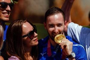 Artem Dolgobyat regresa a Israel tras su victoria en los Juegos Olímpicos de Tokio