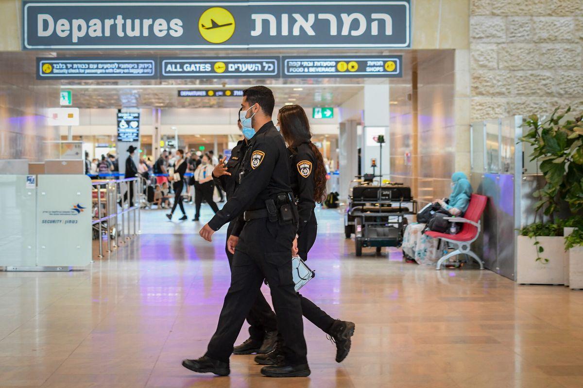 Detectan 23 personas tratando de volar a Nueva York con resultados falsos de pruebas de coronavirus, informó el Ministerio de Salud y la Policía de Israel