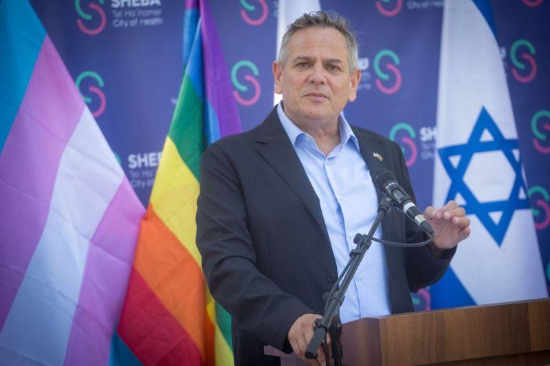 El ministro de Salud de Israel, Nitzan Horowitz, anunció que se levantarán todas las restricciones a la donación de sangre de hombres homosexuales