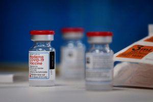 Autoridades de salud mexicanas emitieron una opinión favorable sobre la vacuna de Moderna para uso de emergencia contra COVID-19
