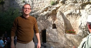 Roni Kaplan explica cómo los judíos enterraban sus muertos hace 2,600 años