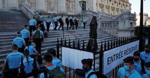 El juicio contra 20 hombres acusados de una serie de ataques terroristas en París en 2015 y transformaron Francia inició este miércoles