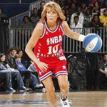Nancy Lieberman jugando básquetbol