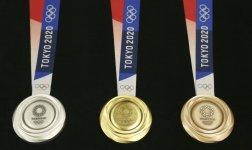 A un año de su inauguración, Tokio 2020 presenta medallas
