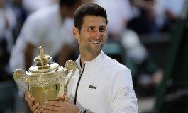 Djokovic vence a Federer en final histórica de Wimbledon