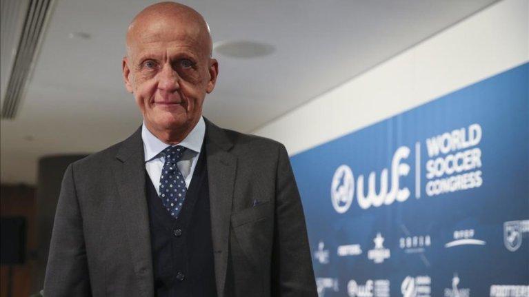FIFA quiere uso uniforme global del VAR