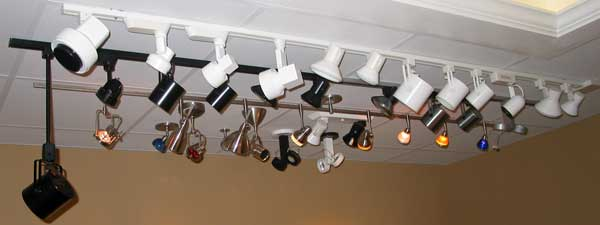 Lighting Showrooms: Recessed and Track Lighting
