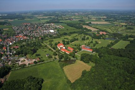Ostenfelde_Schloss_Vornholz_Vogelperspektive