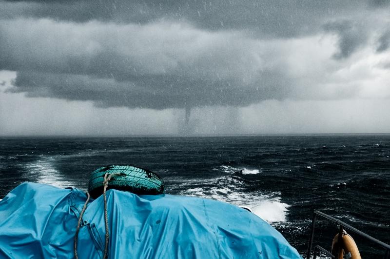 Incroyable tempete sur la mer