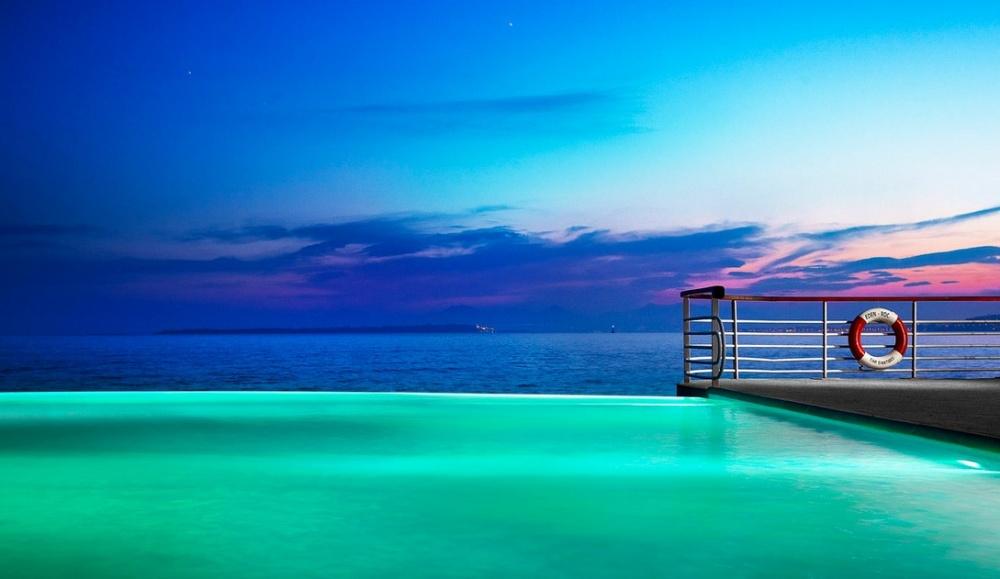 Piscine -pool-The-Delectable-Hotel-Du-Cap