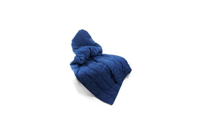 brookstone-blanket-TRVLPILLOW0516