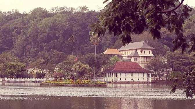 cheap-sri-lanka-travel-tours-ivhq-temple