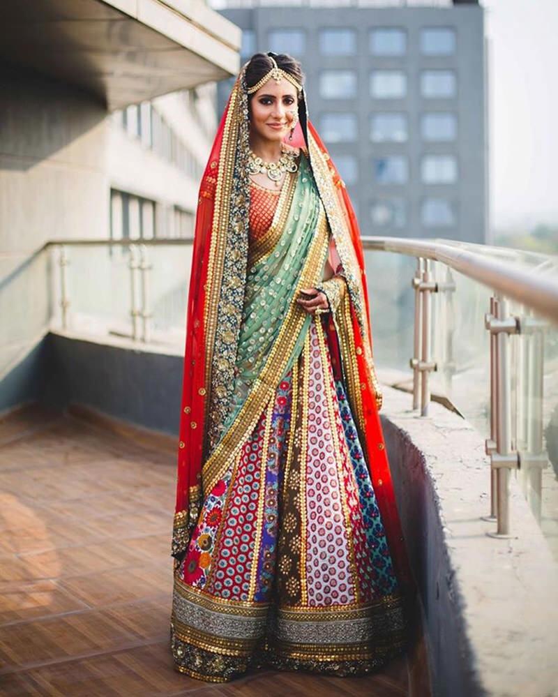 noiva-indiana-com-saree-colorido
