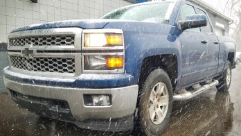 Heated Steering Wheel Warms Hands in a 2015 Chevrolet Silverado
