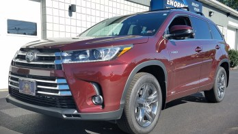 Long-Range Two-Way Remote Start Upgrade for 2019 Toyota Highlander Hybrid