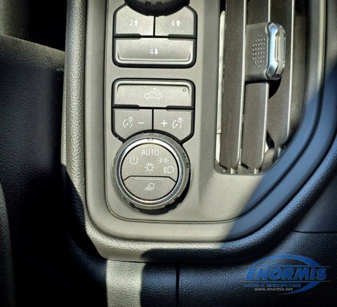 2020 Chevy Silverado 2500 HD SWITCH