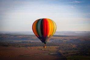 34. In einem Heißluftballon fliegen