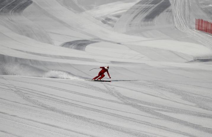 """Origone """"pisando el freno"""" ¿Alguien decía que no se puede girar con esquís de 240 cm? Preguntad al """"Professore Origone"""" de Champoluc 2013 copyleft ricardo adarraga"""