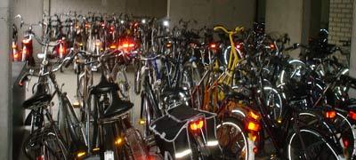 Esto es sólo una parte del cuarto de bicicletas de mi casa...