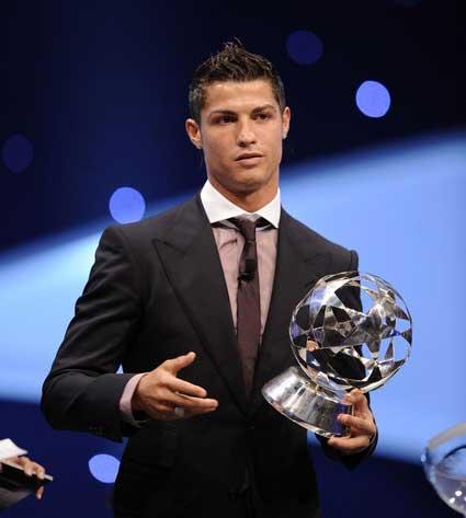 Creo que esta foto es de cuando le dan un premio por su importante contribución al mundo...