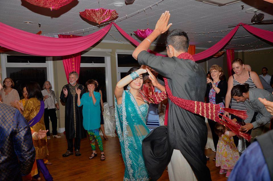 La parte importante del sangeet es bailar.
