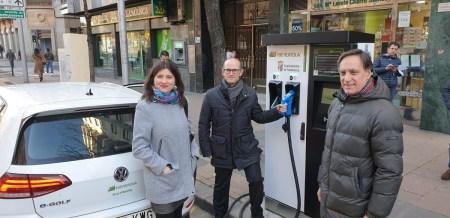 Salamanca estrena su primer punto de recarga rápida para vehículos eléctricos