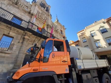 La Diputación de León se suma a la campaña de desinfección