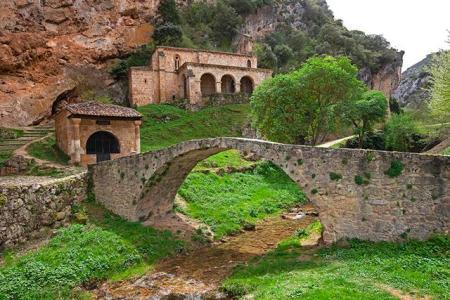 Tobera01_Ermita de Nuestra Señora de la Hoz (Copy)