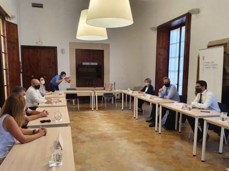 Turismo colaborará en la recuperación del programa del IMSERSO