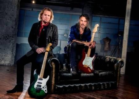 El guitarrista de IRON MAIDEN y guitarrista de POISON y MR.BIG anuncian disco juntos y presentan su primer videoclip