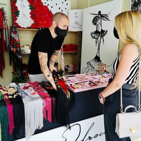 mercadillo especializado en moda flamenca