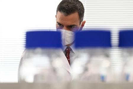 Pedro Sánchez visita los laboratorios farmacéuticos del Grupo Rovi