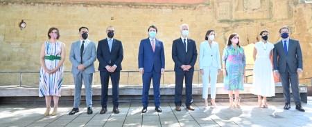 El presidente de la Junta de Castilla y León firma la Declaración Interregional