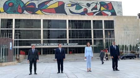 foto familia palacio congresos OMT