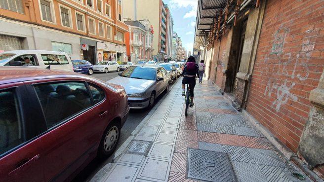 bicicletas por las aceras